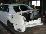トヨタブロリッサのリヤ廻りの事故車修理